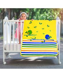 A Homes Grace Baby Blanket Bird Design - Yellow