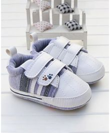 Little Hip Boutique Strap On Walkers - Grey & White
