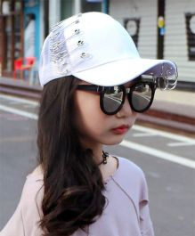 Tipy Tipy Tap Pin Fashion Cap - White