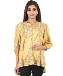 9teenAGAIN ZigZag Print Maternity Top - Yellow