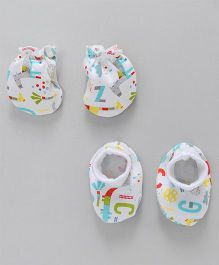 Cucumber Mittens And Booties Set Animal & Alphabet Print - Multicolor