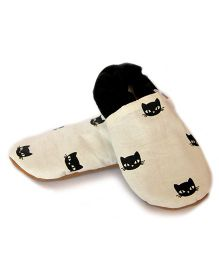Skips Cat Face Print Booties - White & Black