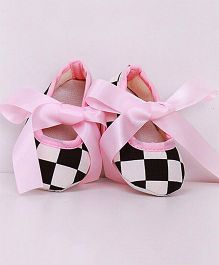 Dazzling Dolls Checks Design Booties - Pink
