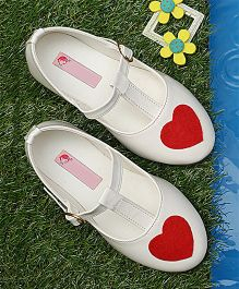 D'Chica Little Heart Print T-Strap Mary Janes - White