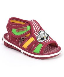 Cute Walk by Babyhug Checks Sandals Car Patch - Maroon