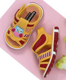 Cute Walk by Babyhug Sandals Owl Patch - Yellow
