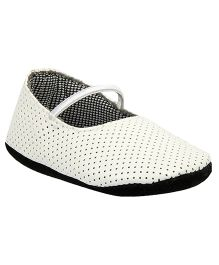 Beanz All Over Dots Booties - White