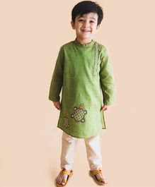 Tiber Taber Tortoise Design Kurta & Pajama Set - Green & Off White