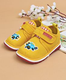 Cute Walk by Babyhug Casual Shoes Airplane Patch - Yellow
