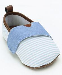 Cute Walk by Babyhug Canvas Striped Booties - Blue
