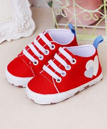 Wow Kiddos Heart Print Booties - Red