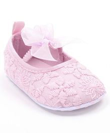 Cute Walk by Babyhug Booties Floral Embroidery With Bow - Light Pink