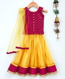 Bownbee Sleeveless Leaf Brocade Choli With Net Lehenga - Pink