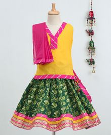 Bownbee Sleeveless Top & Jaipuri Print Skirt With Dupatta Set - Yellow & Green