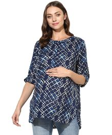 Wobbly Walk All Over Printed Half Sleeves Maternity Top - Blue