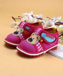 Cute Walk by Babyhug Casual Shoes Bear Patch - Pink
