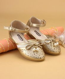 Cute Walk by Babyhug Bellies Bow Applique - Golden