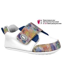 Elefantastik Sneakers With Velcro Strap - White and Blue