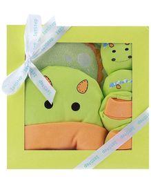 1st Step Green Pig Design Baby Gift Set - Pack Of 4