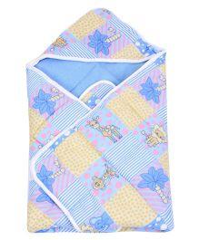 Little's Giraffe Print  Hooded Wrapper - Blue