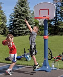 Step2 Shootin Hoops Pro Basketball Set