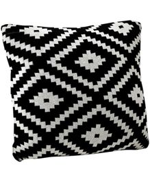 Pluchi Zumba Black Cotton Knitted Cushion Cover