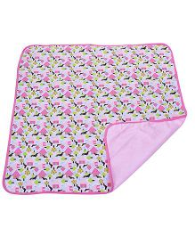 Piccolo Bambino Reversible Wrapper House Print - Pink