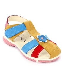 Cute Walk Velcro Sandals Flower Applique - Beige