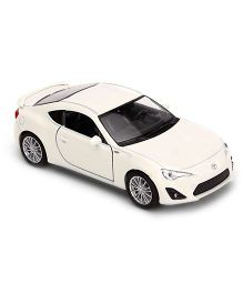 Welly Die-Cast Pullback Toyota 86 With Rear Wings - White