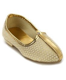 Ethniks Neu Ron Traditional Mojari Shoes - Golden