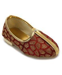 Ethnik's Neu Ron Mojari Shoes Abstract Design - Maroon