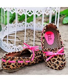 D'chica Shoes Pink And Leopard Printed Loafers
