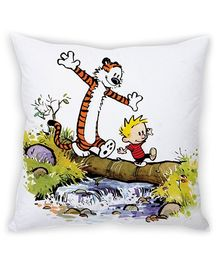 Stybuzz Walking Tiger Cushion Cover White And Multicolor - FCCS00037