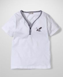 Bee Bee V Neck T-Shirt - White