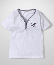 Bee Bee V Neck T-Shirt - White
