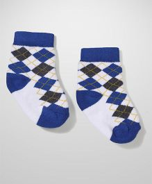 Cute Walk by Babyhug Ankle Length Socks - White Blue