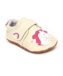 Jack & Lily Baby Shoes Horse Motif - Cream