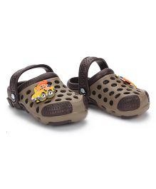 Cute Walk Clogs Car Applique - Brown