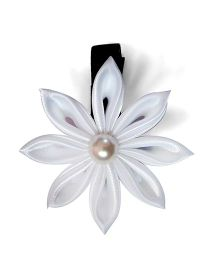 Little Miss Cutie Flower With Pearl Hair Clip - White