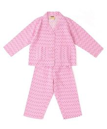 Hugsntugs Small Graphic Print Nightsuit - Pink