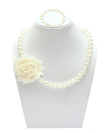 D'chica Necklace & Bracelet Set - Off White
