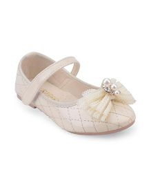 Doink Belly Shoes With Bow And Pearl Detail - Cream