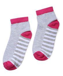 Cute Walk Socks Stripes Pattern - Grey And Pink