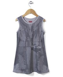 Elle Sleeveless Camera Print Dress - Grey