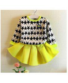 Funtoosh Kidswear Star Print Dress - Yellow