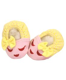 Pranava Cute Fabric Booties With Bow - Pink