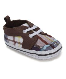 Luvable Friends Checks Print Baby Shoes - Brown
