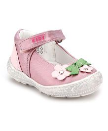 Little Paws Shoes Embellished With Flower - Pink