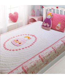 A Little Fable Matryoksha Quilt - Pink And White