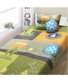A Little Fable Camping Design Quilt - Multicolor